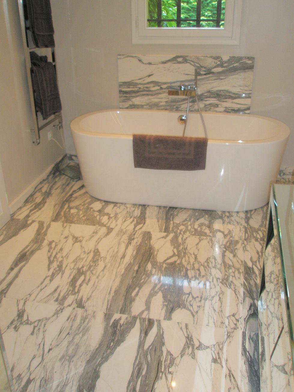 Ванная комната из мрамора Арабескато3