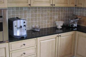 Кухонная столешница из зеленого гранита Green Ubatuba-1
