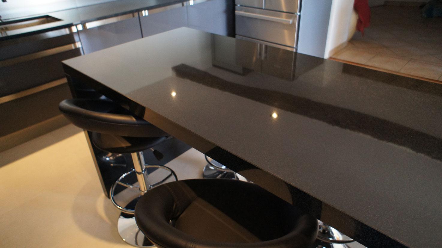 Кухонная столешница из черного гранита6