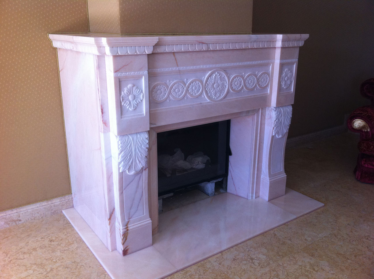 Мраморный камин из мрамора Pink Portugal-3