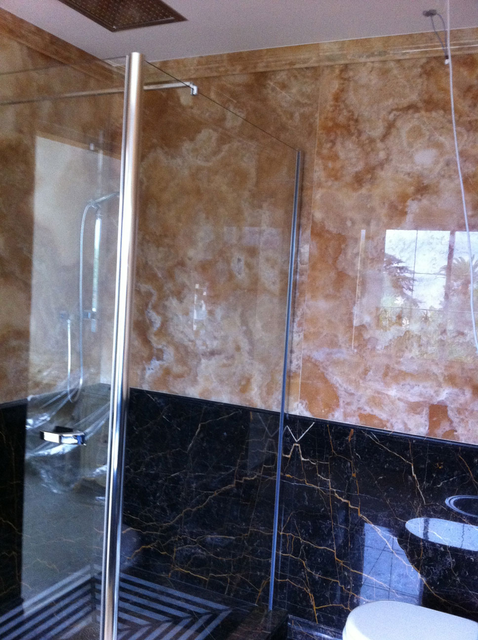 Bathroom in Gold Onyx and Port St Laurent Marble3