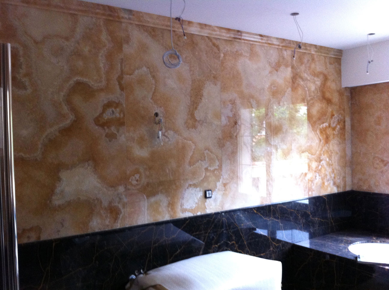 Bathroom in Gold Onyx and Port St Laurent Marble4