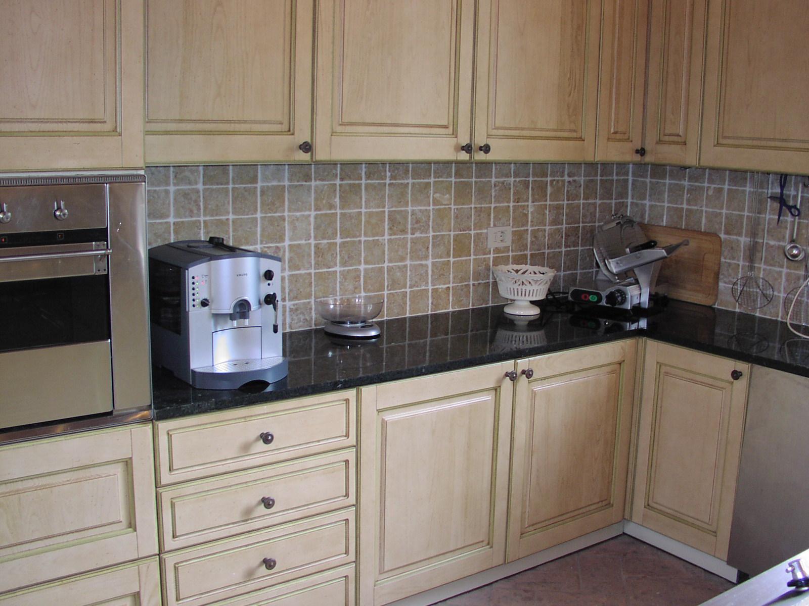 Kitchen-countertop-Ubatuba-Green