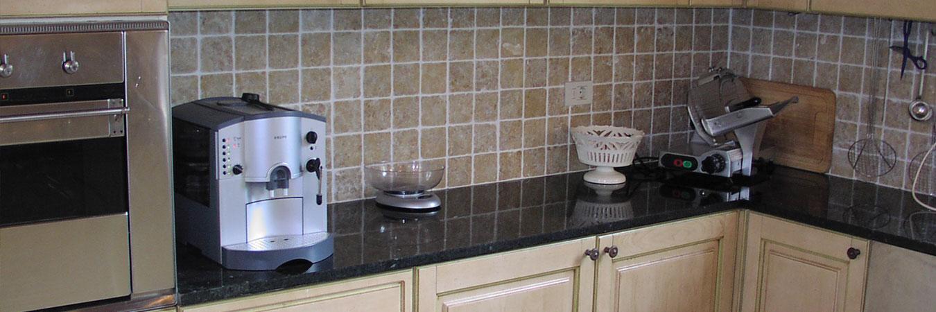 Kitchen-countertop-Ubatuba-Green-1002