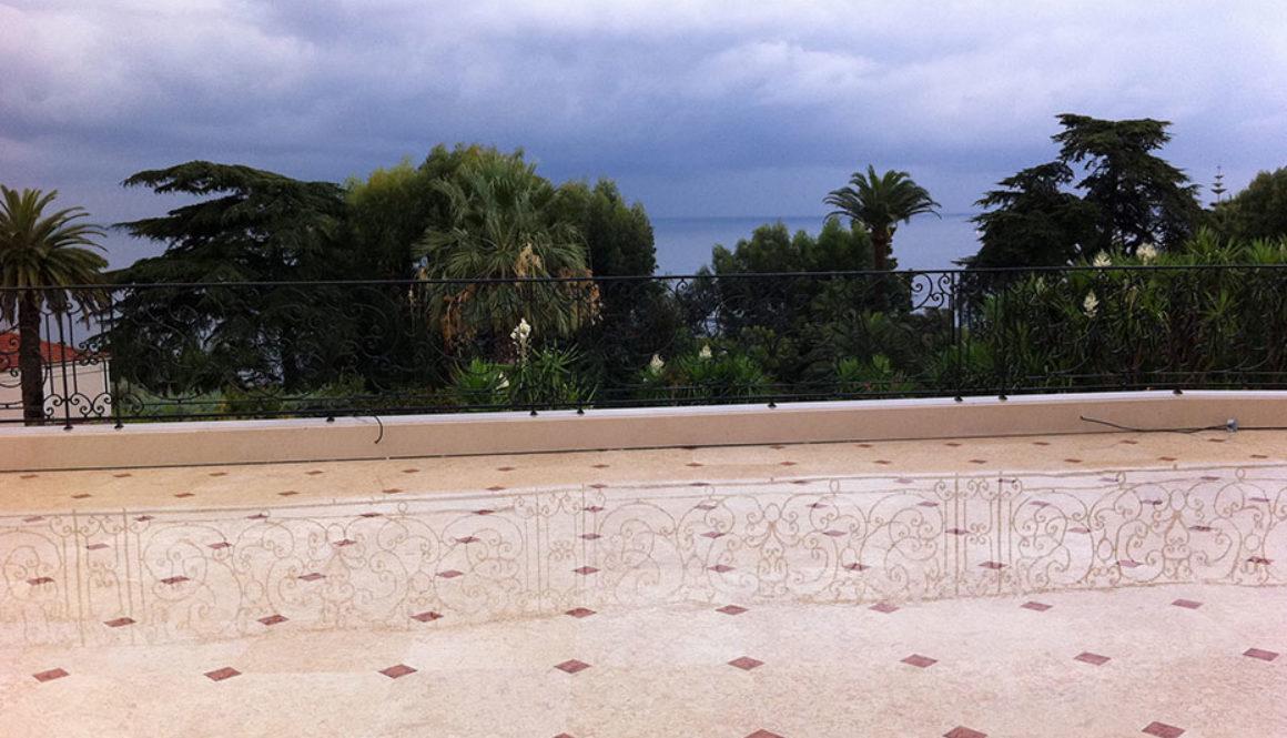Pavimento terrazza in Marmo Perlato Svevo e Rosso Verona